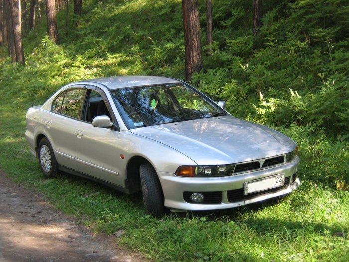 Японский седан Mitsubishi Galant 2000 года.   Фото: drom.ru.