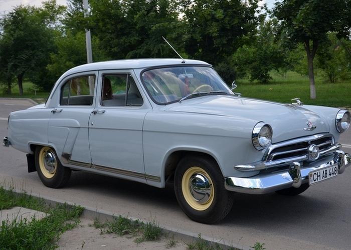 Волга ГАЗ 21 - один из самых крутых советских авто.