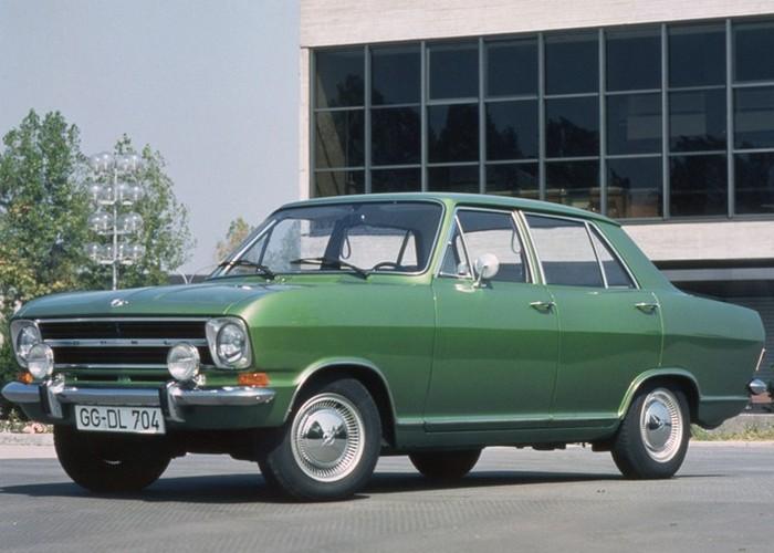 Opel Kadett B - ну очень похож на Москвич-412.
