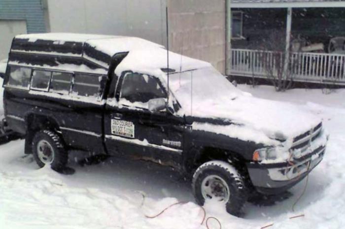 Этот Dodge 2500 пережил очень многое.