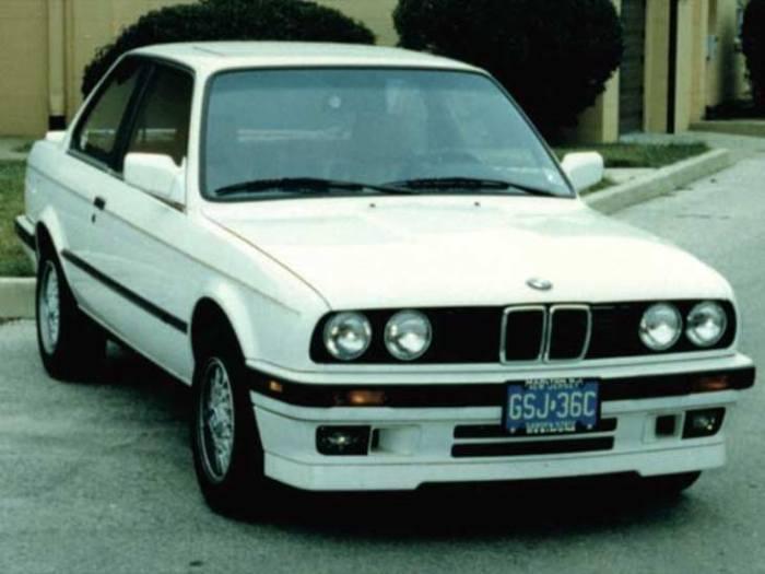 Отличный и очень долговечный автомобиль BMW 325i.