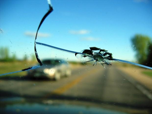 Штраф за тріщину на лобовому склі – незаконний