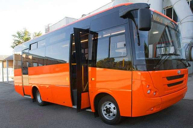 Запорожский автомобилестроительный завод презентовал новую модель пригородного автобуса (ФОТО)