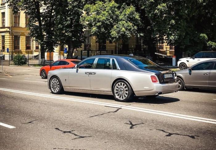 В Україні засвітився розкішний Rolls-Royce за 16 мільйонів