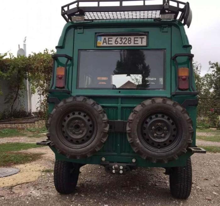 В Україні знайшли незвичайний тюнінгований всюдихід ЛуАЗ