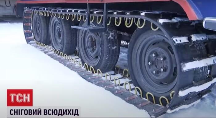 """Українець створив унікальний снігохід: """"розрізає"""" замети і не боїться перешкод"""